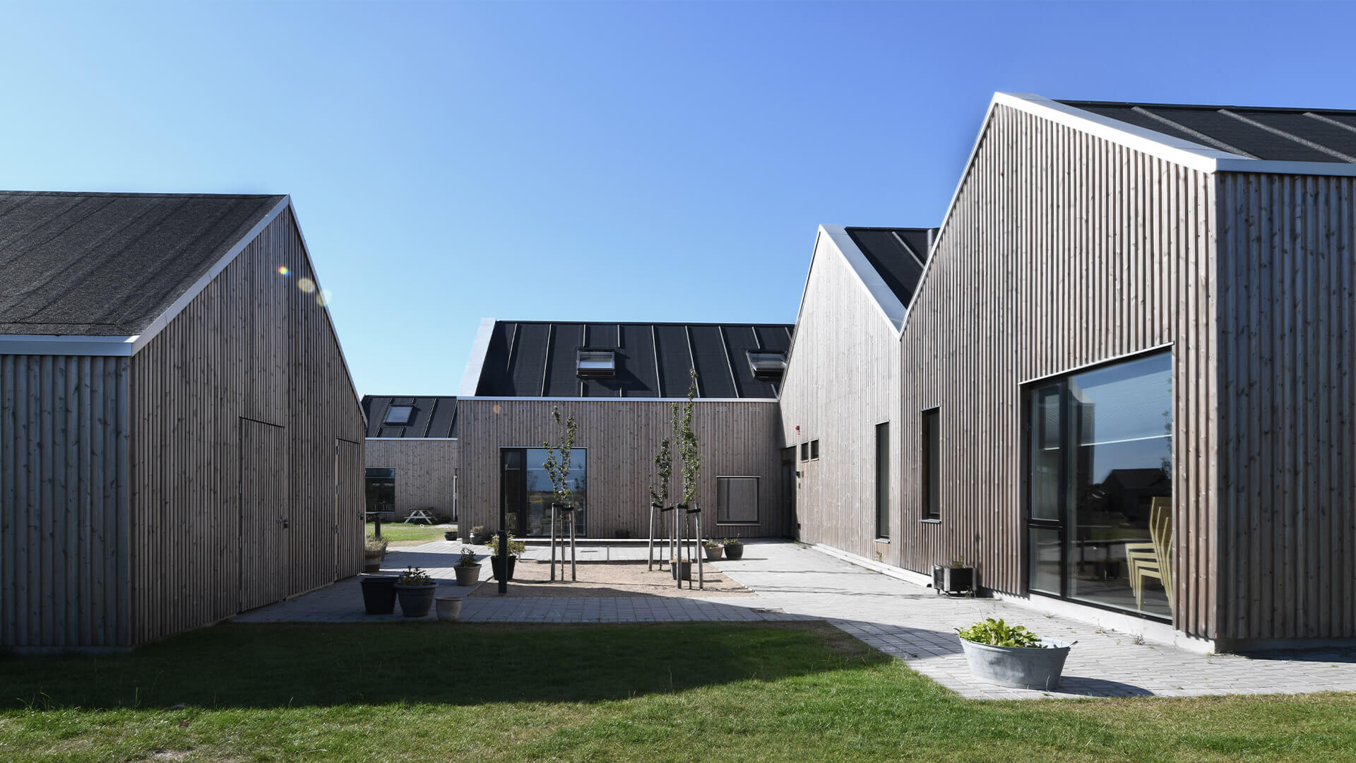 Savannen Nursery with patinated Lunawood Thermowood facade